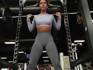 voyeur brunette No pantie No bra at the Gym (camel toe cameltoe) pussy shape
