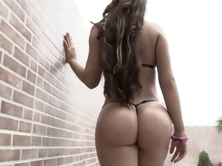 big ass brunette Bats Colombian Ass!