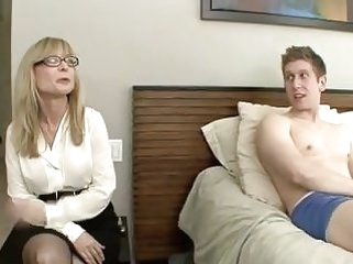 cumshots blowjobs Mom Catches not Virgin Son Masturbating--daddi